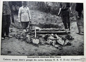Atrocitatile-sovietice-in-Basarabia-cadavre-in-curtea-sediului-NKVD-Chisinau-300x218