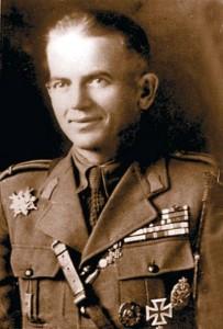 maiorul-Ion-Toba-salvatorul-Putnei-203x300